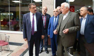 Başkan Gürkan Kapalı Çarşı esnafı ile bir araya geldi