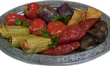 """Gazikültür A.Ş.'Den Bir """"Gaziantep Yemekleri"""" Kitabı Daha"""