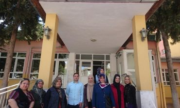 MHP Kadın Kolları'ndan Huzurevine Ziyaret