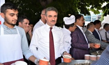 15 Temmuz Şehidi Mezarı Başında Anıldı ve Tüm Şehitlerimize Yeni Cami'de Mevlid Okutuldu